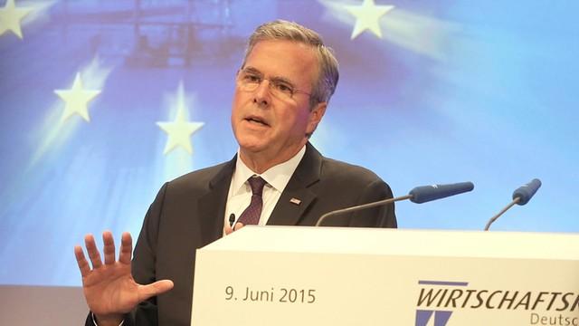 Bush: USA i NATO powinny wysłać więcej żołnierzy, by powstrzymać Putina