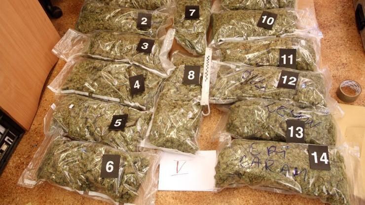 Narkotyki warte 1,6 mln zł przechwycone przez policję. Spektakularny pościg