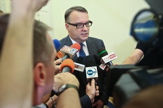 Biernacki: chodzi o dwóch agentów państwa rosyjskiego.