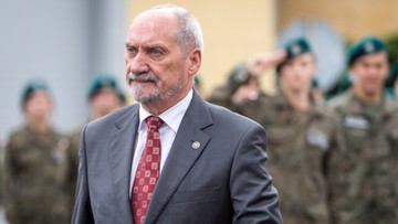 Macierewicz: musimy skoncentrować wysiłek zbrojeniowy na artylerii