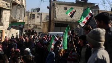 Syria: siły wspierane przez USA przejęły kontrolę nad strategicznym lotniskiem
