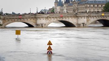 """03-06-2016 21:37 """"Le Figaro"""": Prezydent Francji może być ewakuowany poza Paryż"""