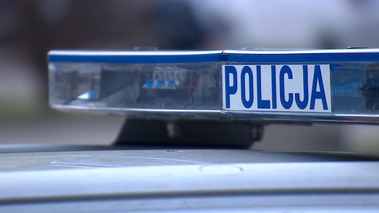Brutalne przesłuchania na komendzie policji. Prokuratura przedłuża śledztwo