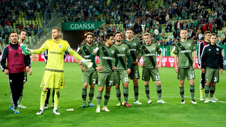 Legia przegrała w Gdańsku. O tytule zdecyduje ostatnia kolejka