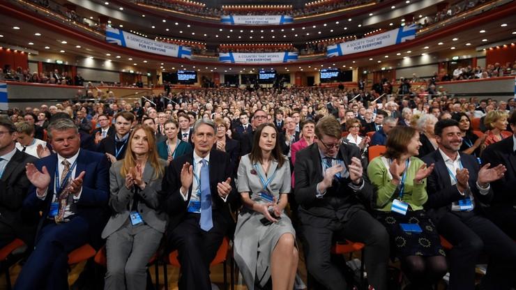 Minister ds. Brexitu: rząd będzie chronił prawa migrantów z UE