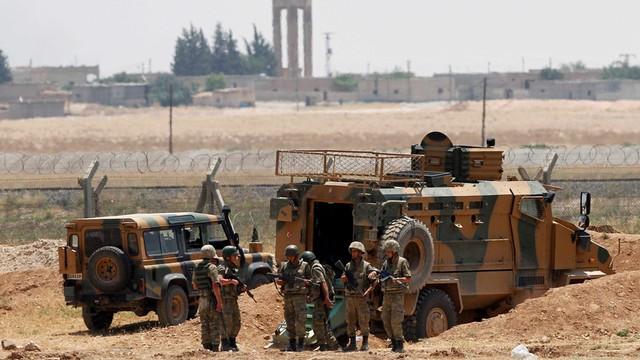 Turcja może wysłać w samoobronie wojska lądowe do Syrii