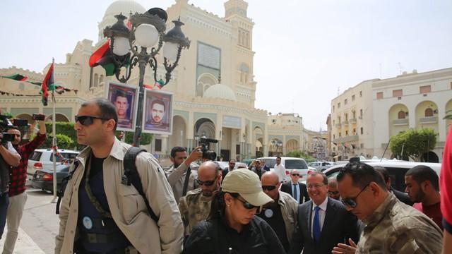 Libia: samozwańczy parlament oddaje władzę rządowi jedności narodowej