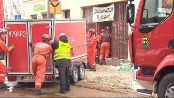 Zawalił się strop kamienicy w Katowicach. Spod gruzów wydobyto cztery osoby