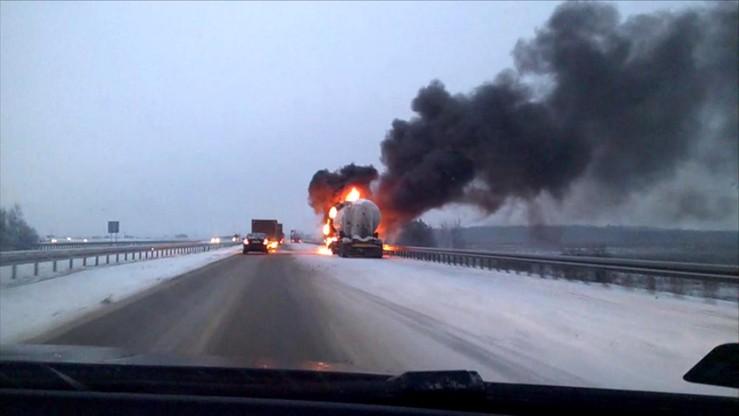 Pożar ciągnika siodłowego na obwodnicy Kielc [WIDEO]