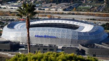 2016-06-09 Euro 2016: Ochrona stadionu w Nicei boi się zamachów