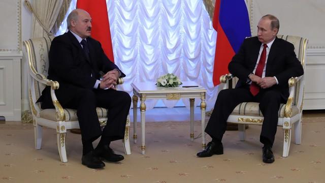 Putin po rozmowach z Łukaszenką: Spór naftowo-gazowy zażegnany