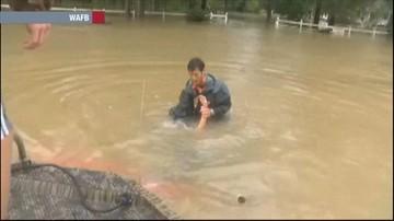 """14-08-2016 10:04 """"O mój Boże, tonę!"""" Dramatyczna akcja ratunkowa w Luizjanie"""