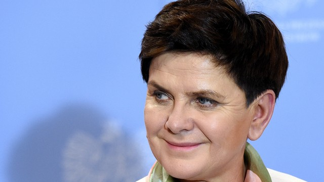 Szydło podsumowuje rok rządu: Potrafiliśmy pokazać, że Polacy mogą godnie żyć