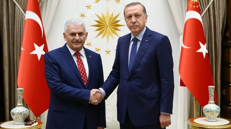 Erdogan powierzył misję tworzenia rządu nowemu premierowi