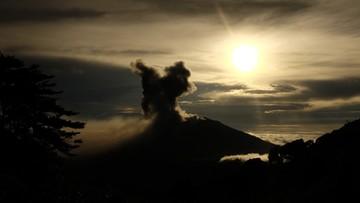 21-05-2016 08:36 Kostaryka: silna erupcja wulkanu