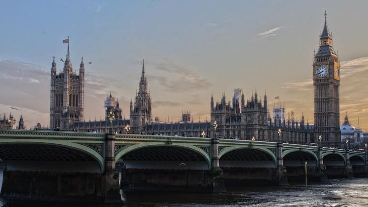 Rząd Theresy May gorszy od Trumpa - brytyjska premier w ogniu krytyki