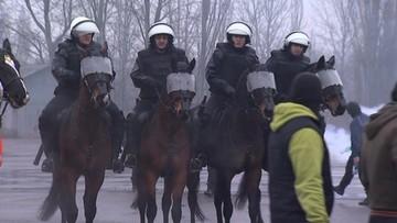 15-12-2015 18:17 Konie do walki z kibolami. Na razie ćwiczą w Łodzi