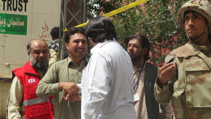 Eksplozja bomby przy bramie szpitala w Pakistanie. Już co najmniej 70 ofiar