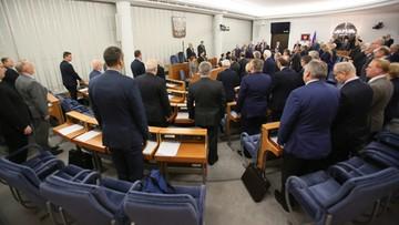 18-10-2016 19:41 Senatorowie za poprawkami do projektu nowelizacji o zakazie propagowania komunizmu