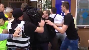 25-06-2017 14:29 Policja wyjaśnia okoliczności awantury podczas marszu KOD-u w Radomiu