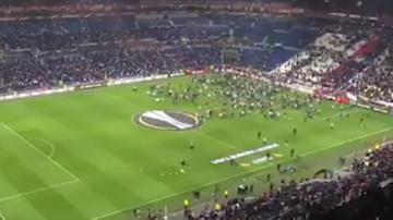 2017-04-13 Liga Europy: Kibice wbiegli na murawę w Lyonie!