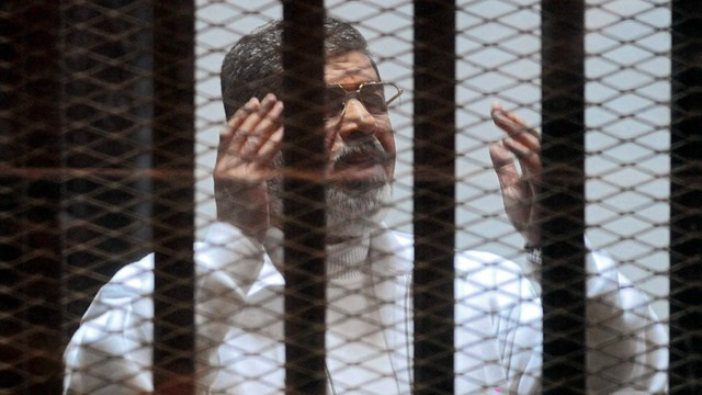 Egipt: b. prezydent Mursi skazany na dożywocie za szpiegostwo