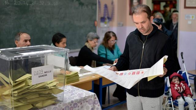 Turcja: wyborcze zwycięstwo partii Erdogana, jest szansa na większość