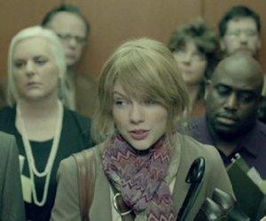 """Jest nowy teledysk Taylor Swift - """"Ours""""! :: Poszkole.pl"""