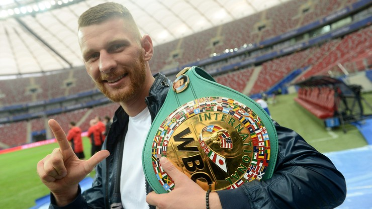 Fonfara - Smith Jr: Karta walk gali w Chicago
